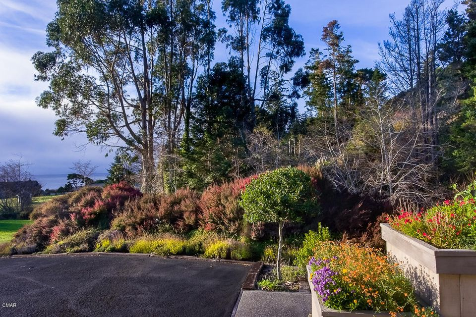 Additional photo for property listing at 13120 Pomo Lane 13120 Pomo Lane Mendocino, California 95460 United States