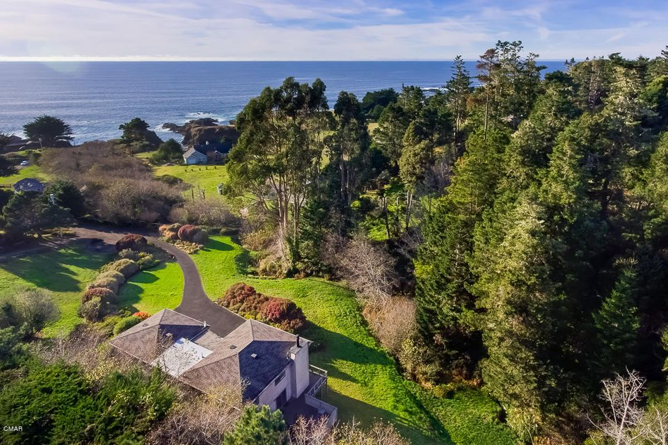 Single Family Home for Sale at 13120 Pomo Lane 13120 Pomo Lane Mendocino, California 95460 United States