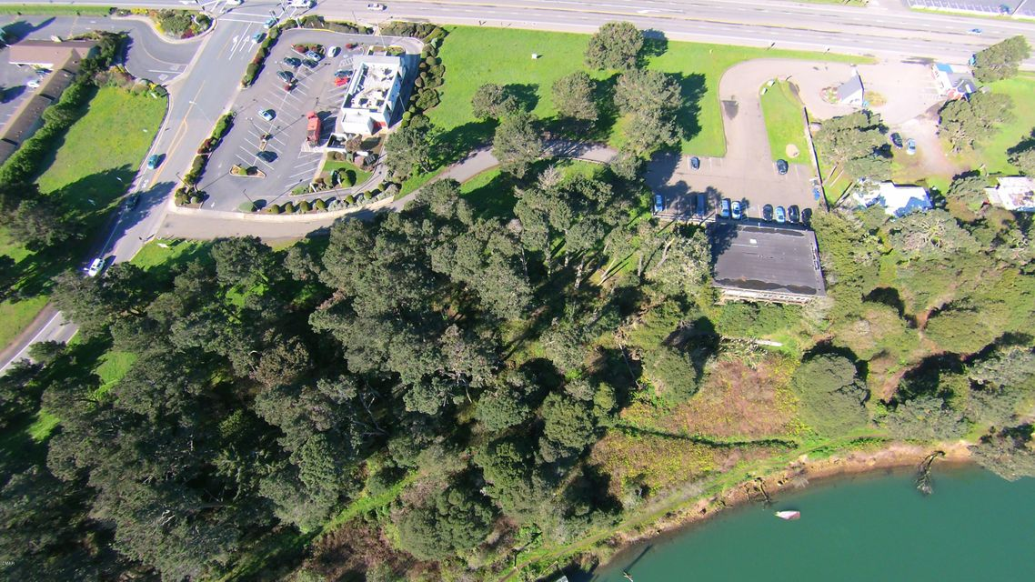 Additional photo for property listing at 1102 S Main Street 1102 S Main Street Fort Bragg, California 95437 Estados Unidos