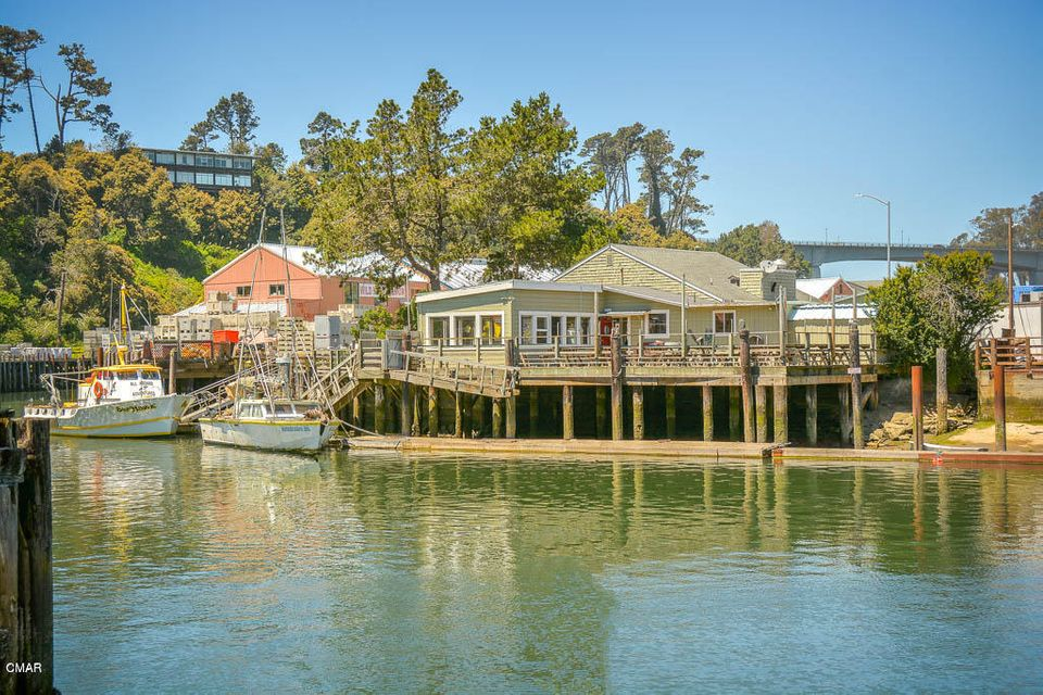 Additional photo for property listing at 32430 N Harbor Drive 32430 N Harbor Drive Fort Bragg, California 95437 United States