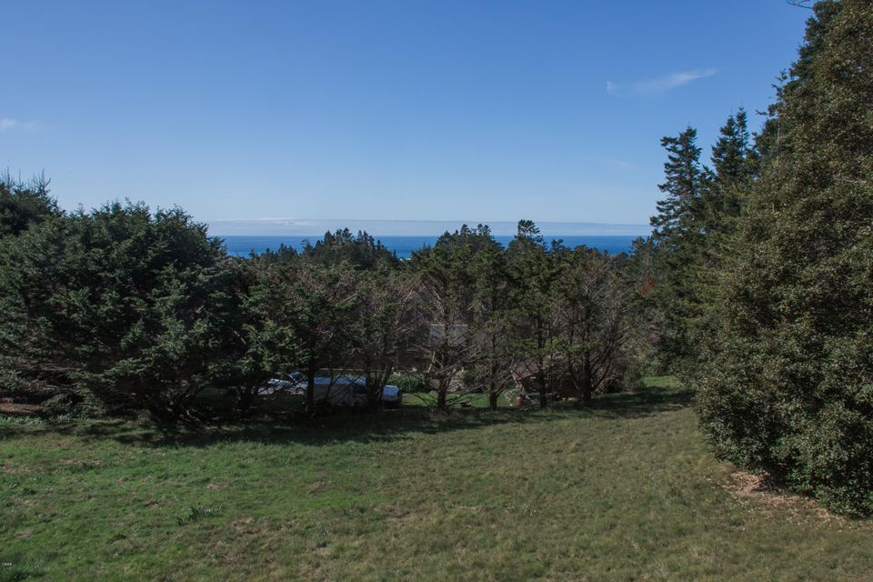 Additional photo for property listing at 44650 Larkin Road 44650 Larkin Road Mendocino, California 95460 United States