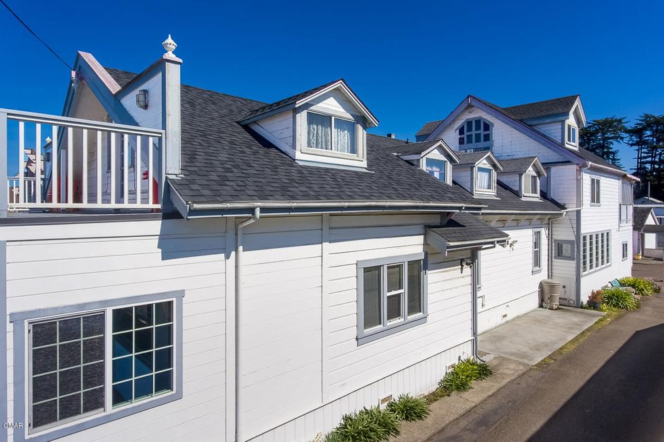 Additional photo for property listing at 726 N Main Street 726 N Main Street Fort Bragg, California 95437 United States