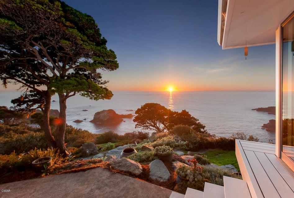 Additional photo for property listing at 5540 Ca-1 5540 Ca-1 Little River, California 95456 Estados Unidos