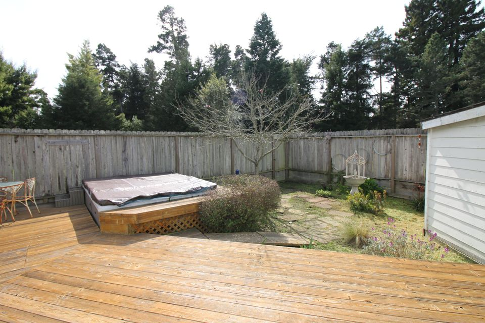 Additional photo for property listing at 16800 Mitchell Creek Road 16800 Mitchell Creek Road Fort Bragg, California 95437 United States