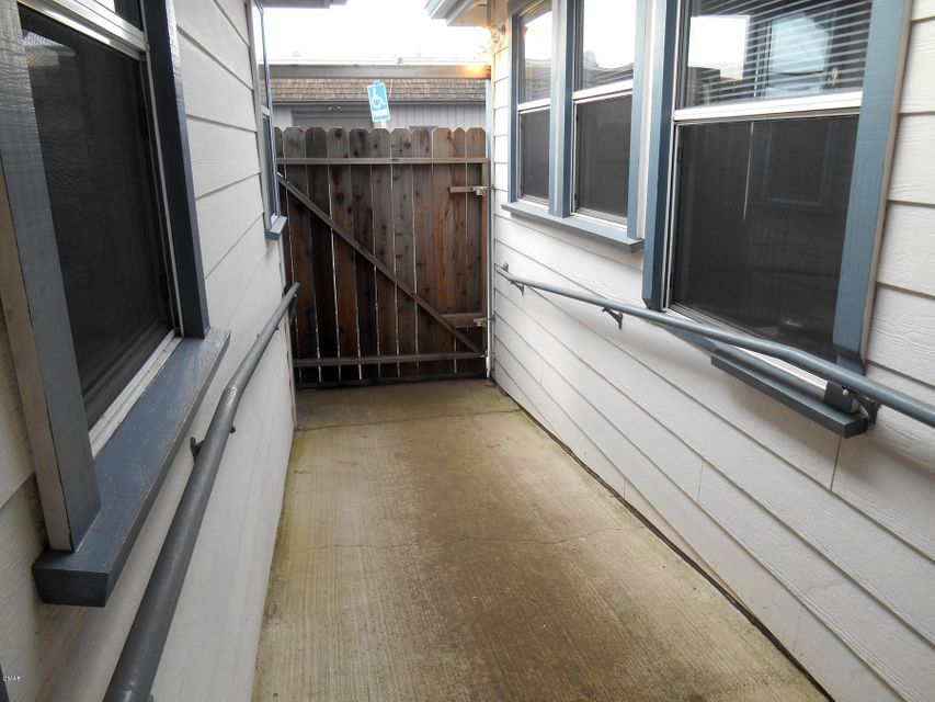 Additional photo for property listing at 656 S Franklin Street 656 S Franklin Street Fort Bragg, 加利福尼亚州 95437 美国