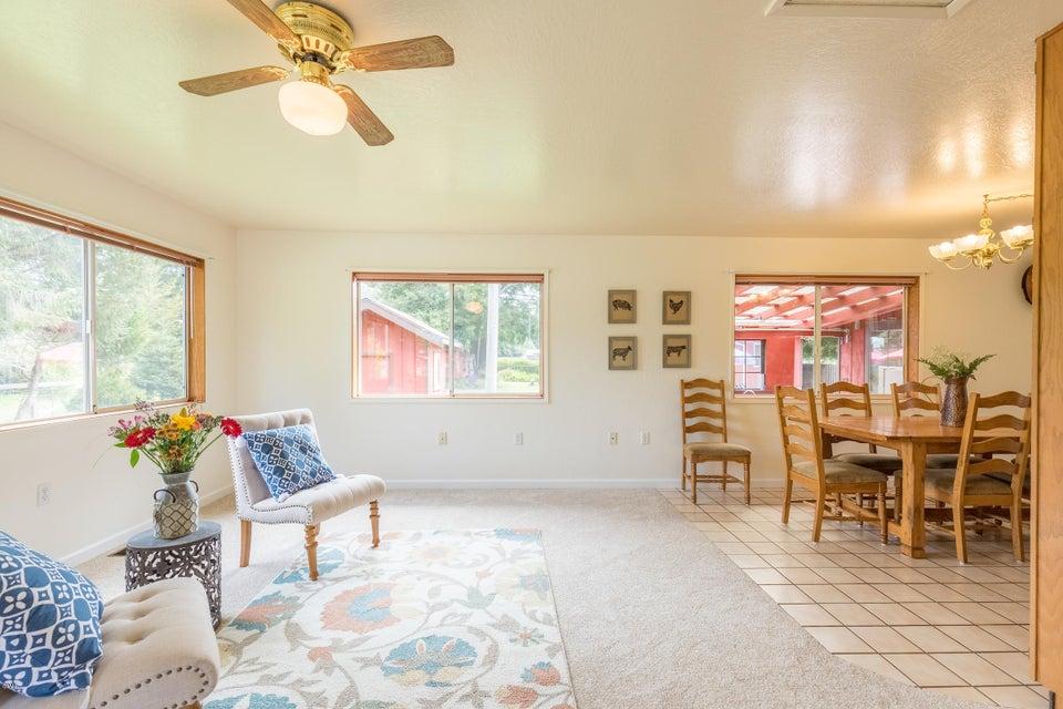 Additional photo for property listing at 21640 Forster Lane 21640 Forster Lane Fort Bragg, 加利福尼亚州 95437 美国