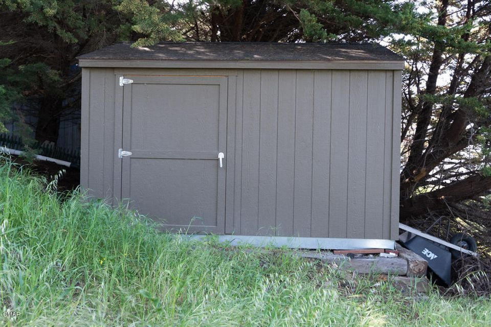 Additional photo for property listing at 1500 Navarro Bluff 1500 Navarro Bluff 阿尔比恩, 加利福尼亚州 95410 美国