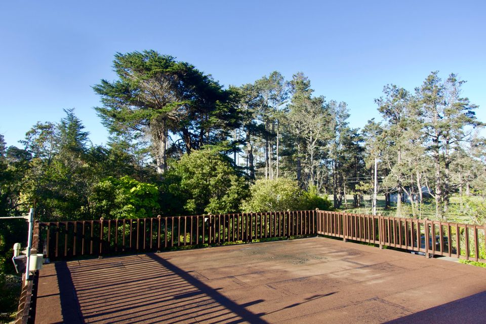 Additional photo for property listing at 22921 Bednar Lane 22921 Bednar Lane Fort Bragg, California 95437 United States