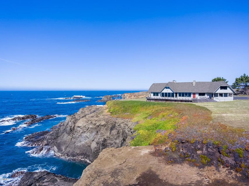 Casa Unifamiliar por un Venta en 45467 Indian Shoals Road Mendocino, California 95460 Estados Unidos
