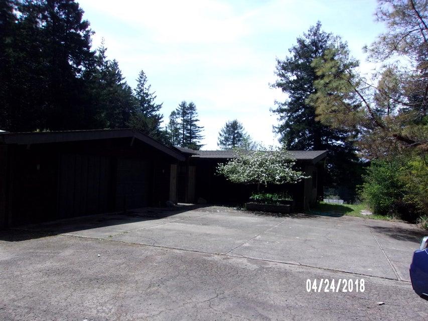 Casa Unifamiliar por un Venta en 29347 Fort Bragg-Sherwood Road 29347 Fort Bragg-Sherwood Road Fort Bragg, California 95437 Estados Unidos