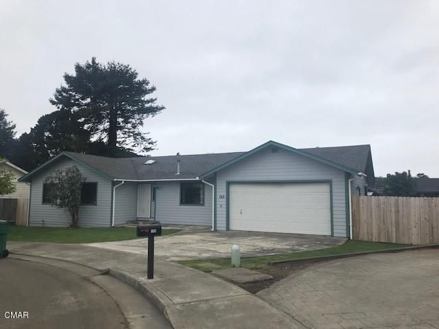 Single Family Home for Sale at 125 Noyo Heights Drive 125 Noyo Heights Drive Fort Bragg, California 95437 United States