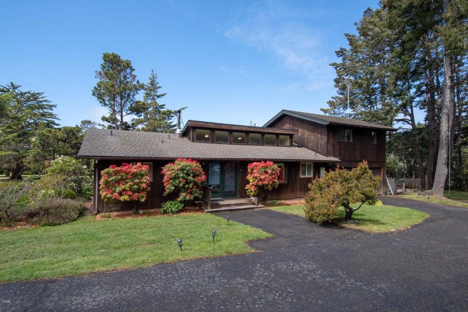 Single Family Home for Sale at 44850 Larkin Road 44850 Larkin Road Mendocino, California 95460 United States