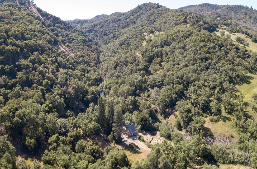 Superficie en Acres por un Venta en 20551 Mountain House Road Yorkville, California 95494 Estados Unidos