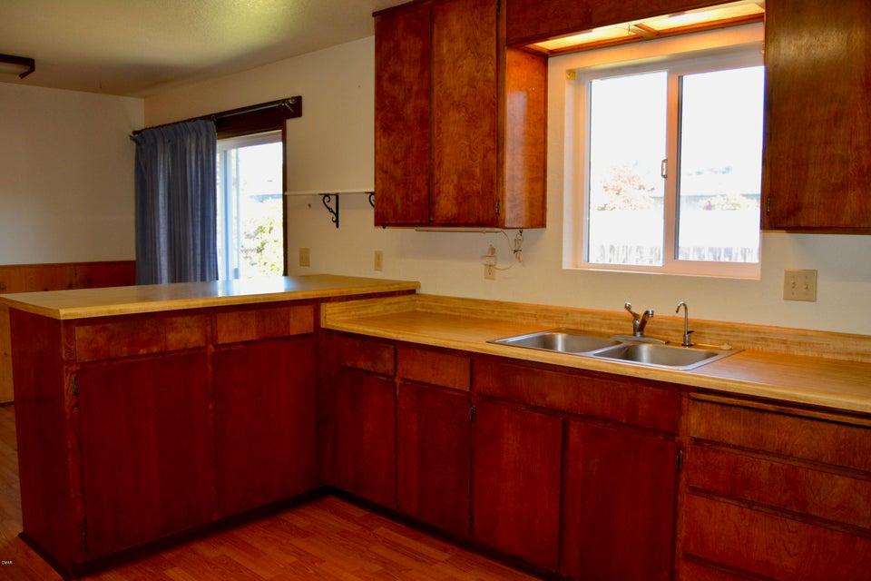Additional photo for property listing at 110 Ebbing Way 110 Ebbing Way Fort Bragg, California 95437 Estados Unidos