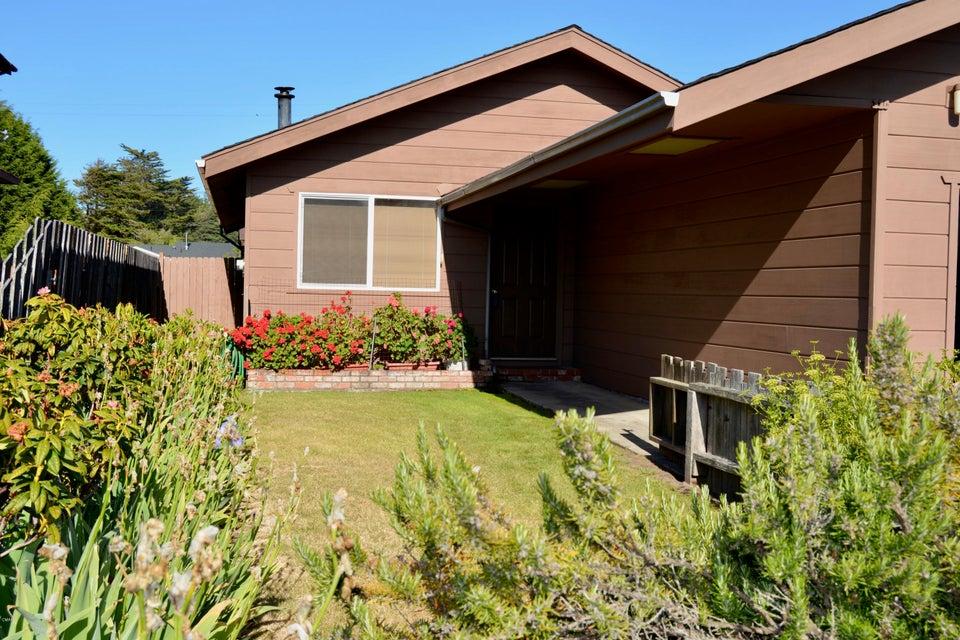 Casa Unifamiliar por un Venta en 110 Ebbing Way 110 Ebbing Way Fort Bragg, California 95437 Estados Unidos