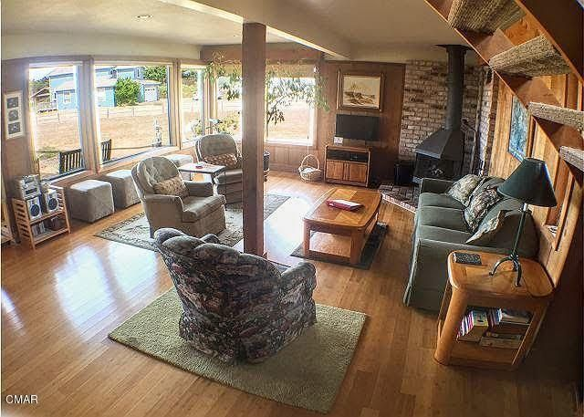 Additional photo for property listing at 45415 S Caspar Drive 45415 S Caspar Drive Mendocino, California 95460 United States