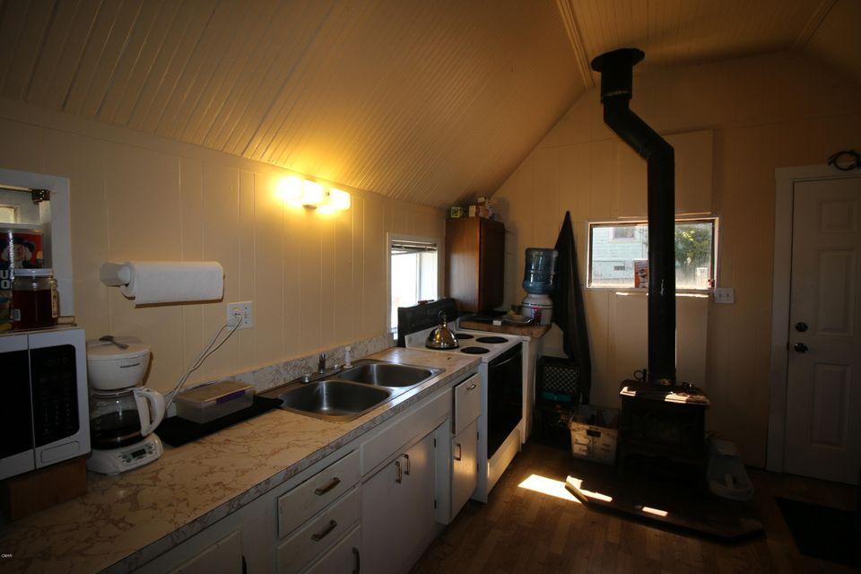 Additional photo for property listing at 309 S Mcpherson Street 309 S Mcpherson Street Fort Bragg, California 95437 United States
