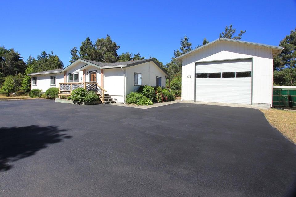 独户住宅 为 销售 在 30700 Turner Road 30700 Turner Road Fort Bragg, 加利福尼亚州 95437 美国