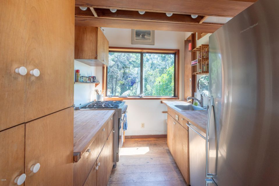 Additional photo for property listing at 45240 Headlands Drive 45240 Headlands Drive Little River, California 95456 United States