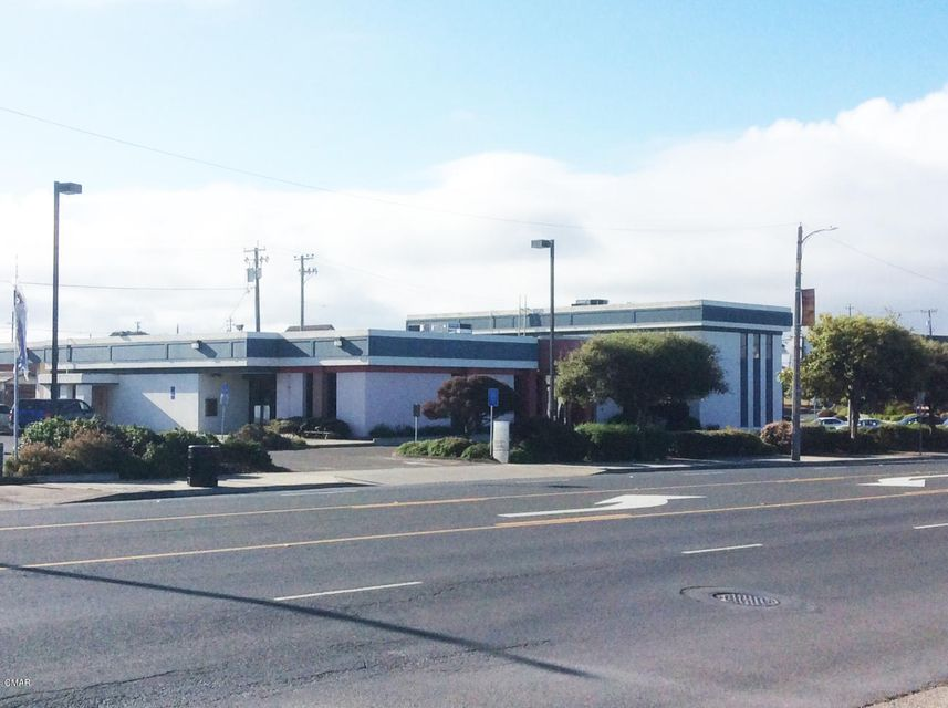 Commercial for Sale at 228 N Main Street 228 N Main Street Fort Bragg, California 95437 United States