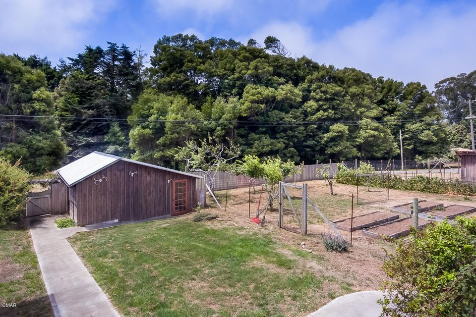 Additional photo for property listing at 32250 Rivers End Road 32250 Rivers End Road Fort Bragg, California 95437 United States