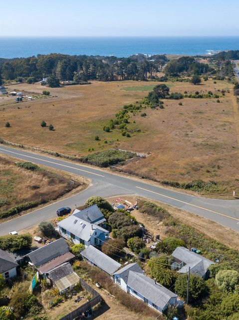 Additional photo for property listing at 14975 410 Road D 14975 410 Road D Caspar, California 95420 United States
