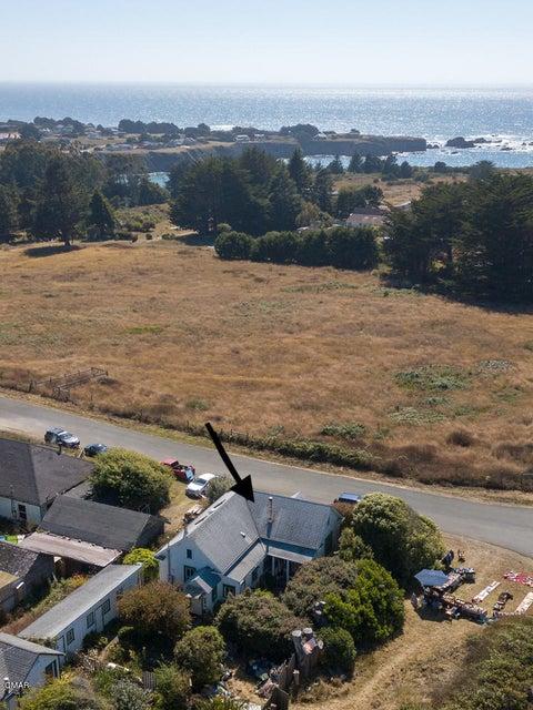 独户住宅 为 销售 在 14975 410 Road D 14975 410 Road D Caspar, 加利福尼亚州 95420 美国