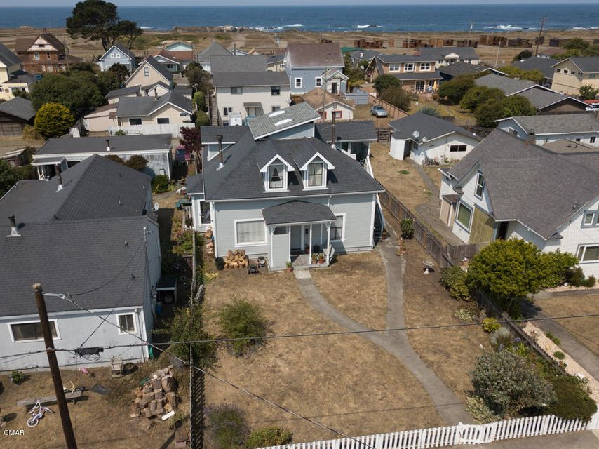Additional photo for property listing at 627 Stewart Street 627 Stewart Street Fort Bragg, California 95437 United States