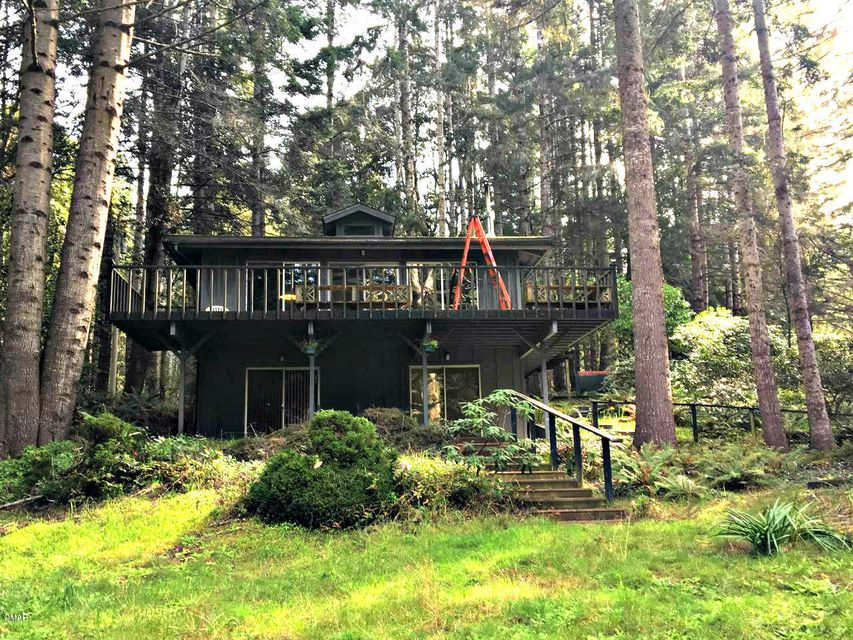 Single Family Home for Sale at 26360 Blueberry Hill Road 26360 Blueberry Hill Road Fort Bragg, California 95437 United States