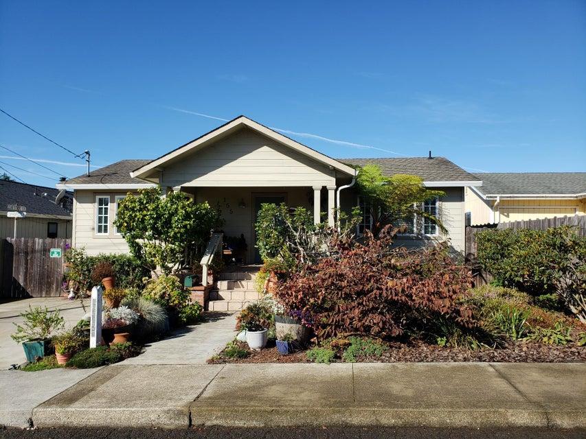 独户住宅 为 销售 在 155 Spring Street 155 Spring Street Fort Bragg, 加利福尼亚州 95437 美国