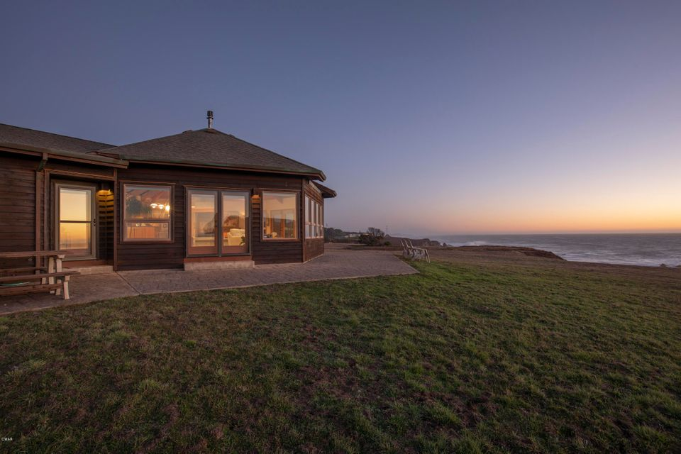 Single Family Home for Sale at 34601 Pelican Way 34601 Pelican Way Fort Bragg, California 95437 United States