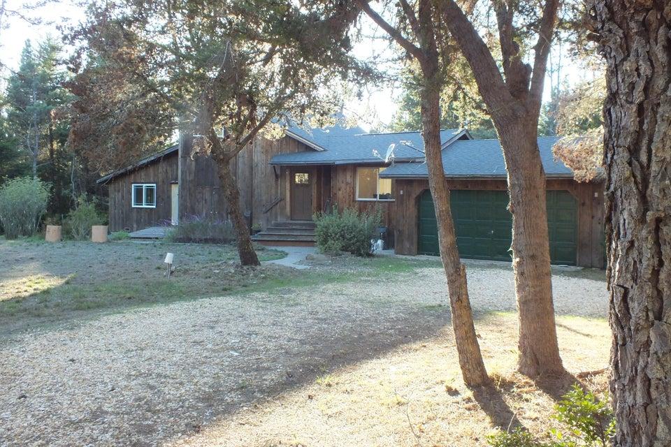 独户住宅 为 销售 在 42205 Caspar Little Lake Road 42205 Caspar Little Lake Road Mendocino, 加利福尼亚州 95460 美国