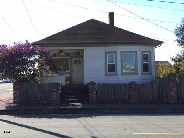 Single Family Home for Sale at 746 E Redwood Avenue 746 E Redwood Avenue Fort Bragg, California 95437 United States
