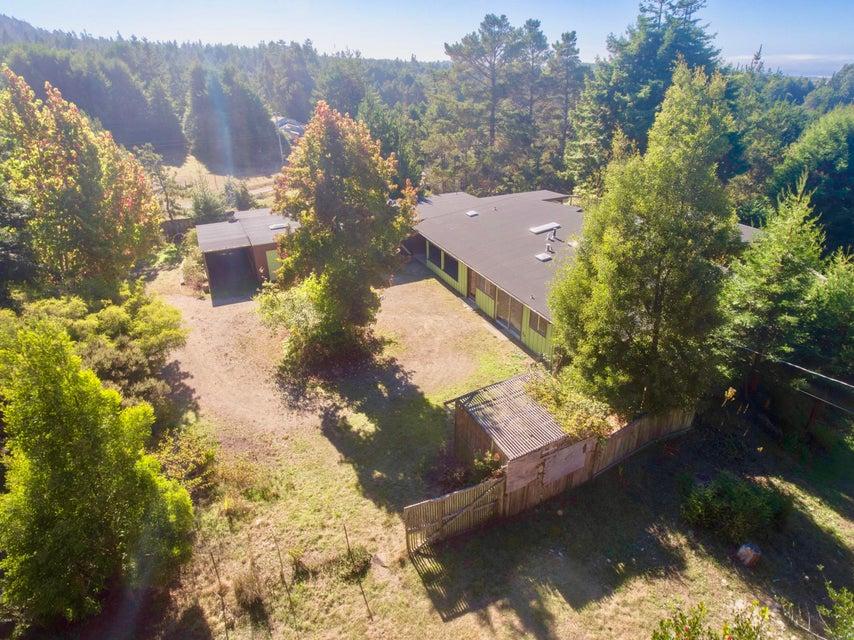 独户住宅 为 销售 在 33500 Simpson Road 33500 Simpson Road Fort Bragg, 加利福尼亚州 95437 美国