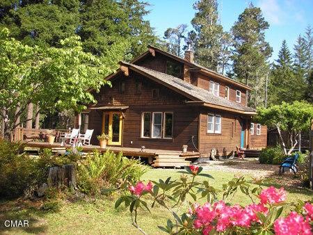 Casa Unifamiliar por un Venta en 10325 The Boom Road 10325 The Boom Road Mendocino, California 95460 Estados Unidos