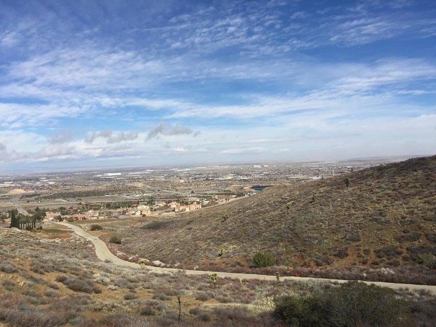 Vic High Spring Tierra, Palmdale, California
