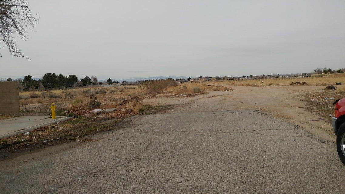 Ave K12 Vic 27th Stw, Lancaster, California