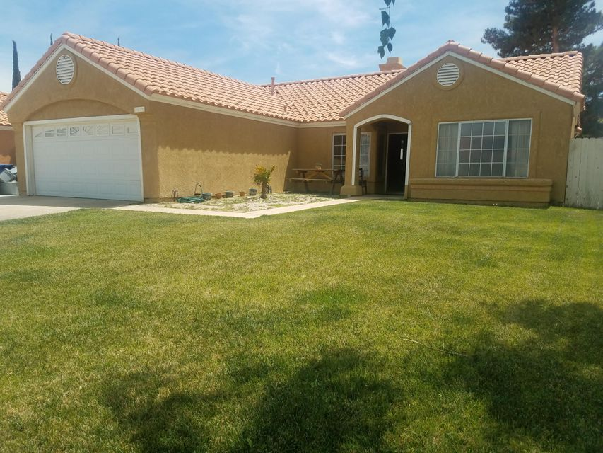 1554  Windsor Place, Palmdale in Los Angeles County, CA 93551 Home for Sale