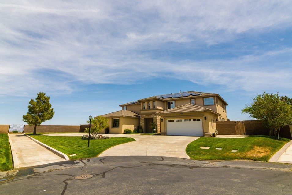 40942  Oakgrove Court, Palmdale, California