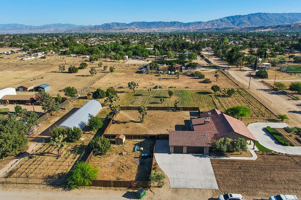 41346 W 27th Street, Palmdale in Los Angeles County, CA 93551 Home for Sale