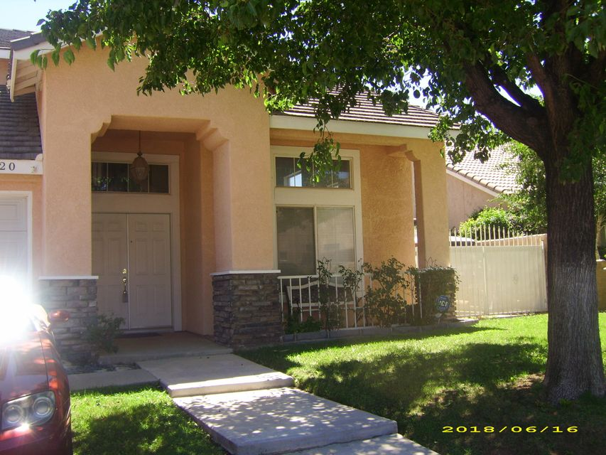 39920  Cyrus Lane, Palmdale, California