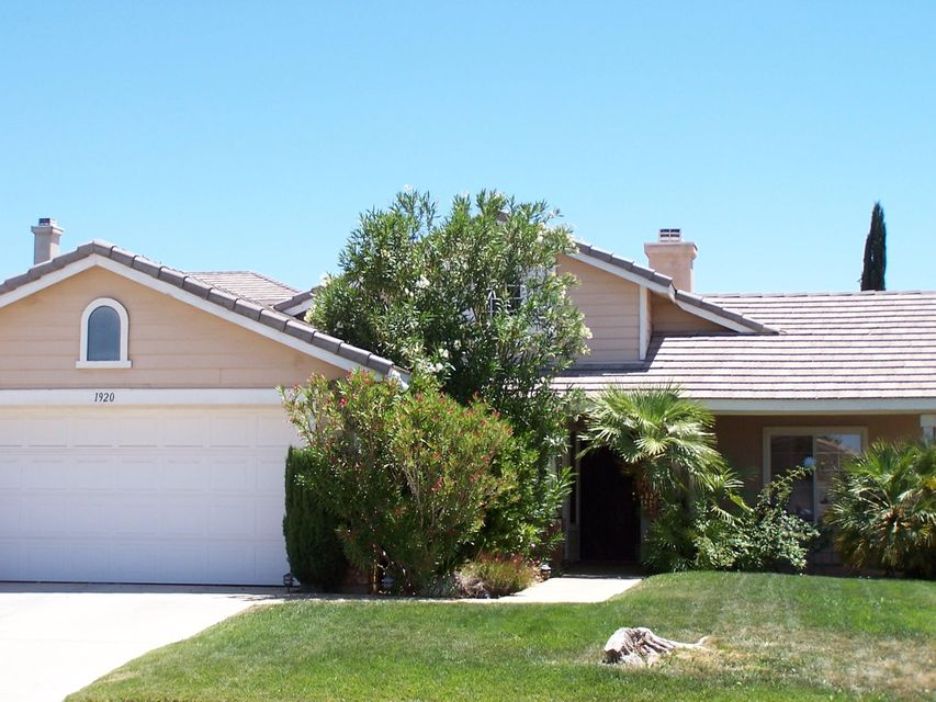 1920  Ivory Avenue, Palmdale in Los Angeles County, CA 93550 Home for Sale