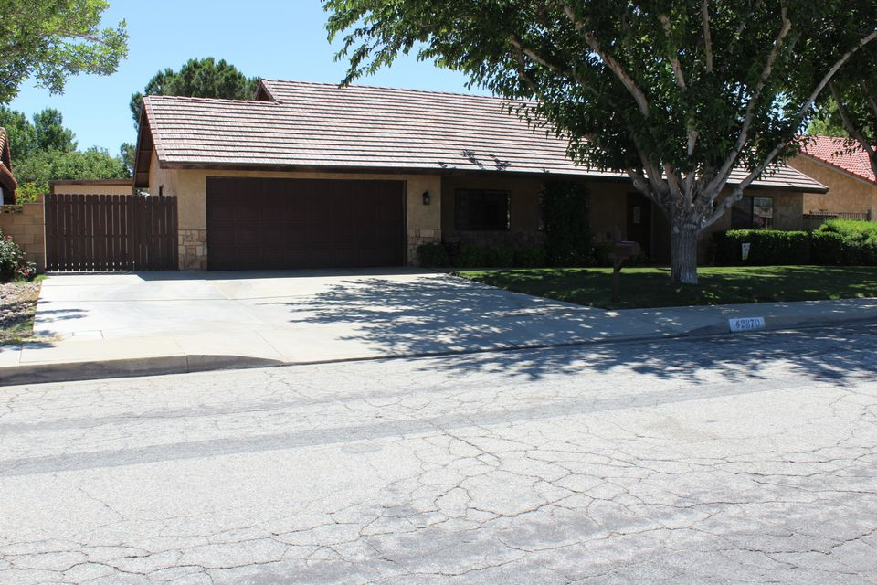 42870  Normandy Lane, Lancaster in Los Angeles County, CA 93536 Home for Sale