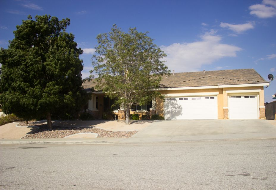 40608 W 55th Street, Palmdale in Los Angeles County, CA 93551 Home for Sale
