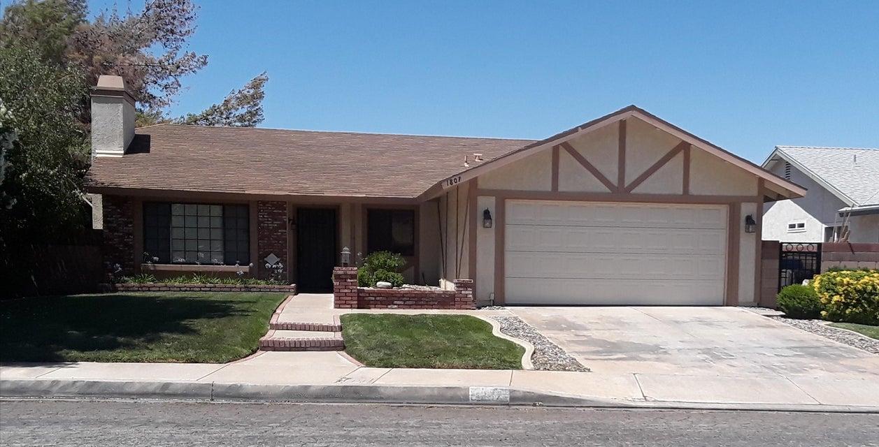 1807 E Avenue R2, Palmdale in Los Angeles County, CA 93550 Home for Sale