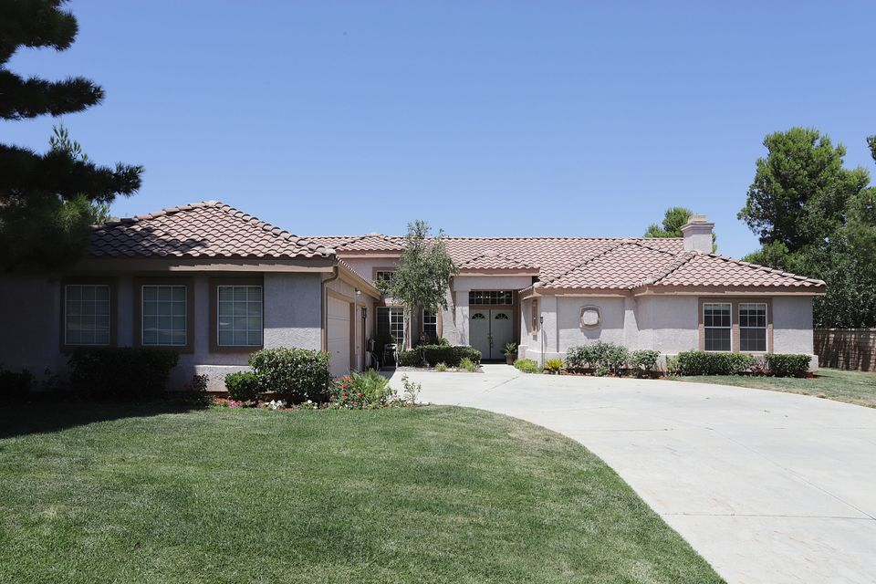 41105  Heights Drive, Palmdale in Los Angeles County, CA 93551 Home for Sale