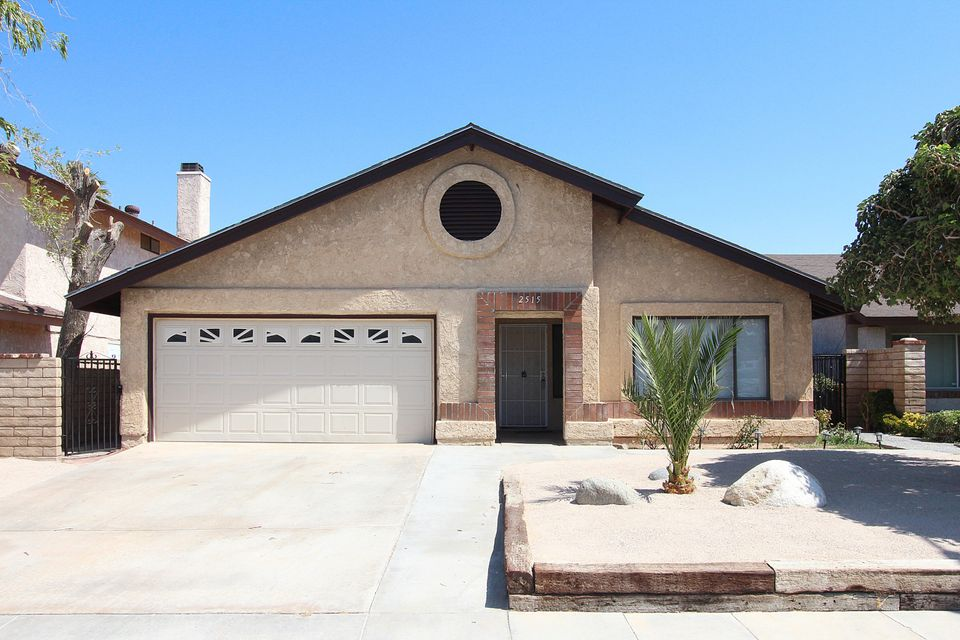 2515  Joshua Hills Drive, Palmdale in Los Angeles County, CA 93550 Home for Sale