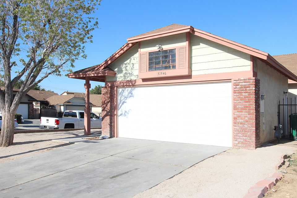 37646 E 12th Street, Palmdale in Los Angeles County, CA 93550 Home for Sale
