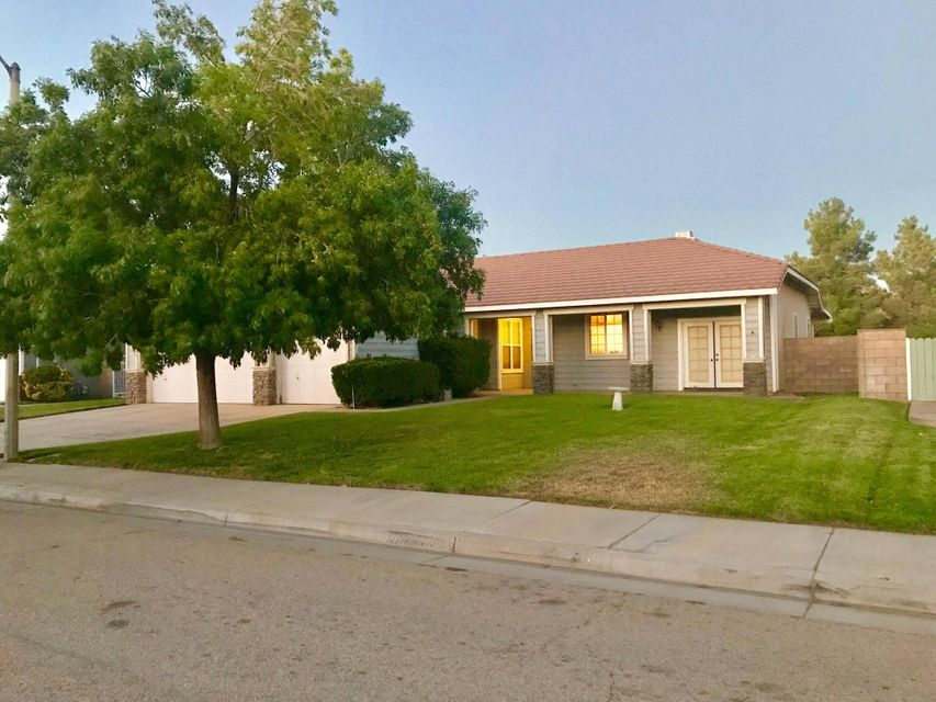 43332  Honeybee Lane, Lancaster in Los Angeles County, CA 93536 Home for Sale