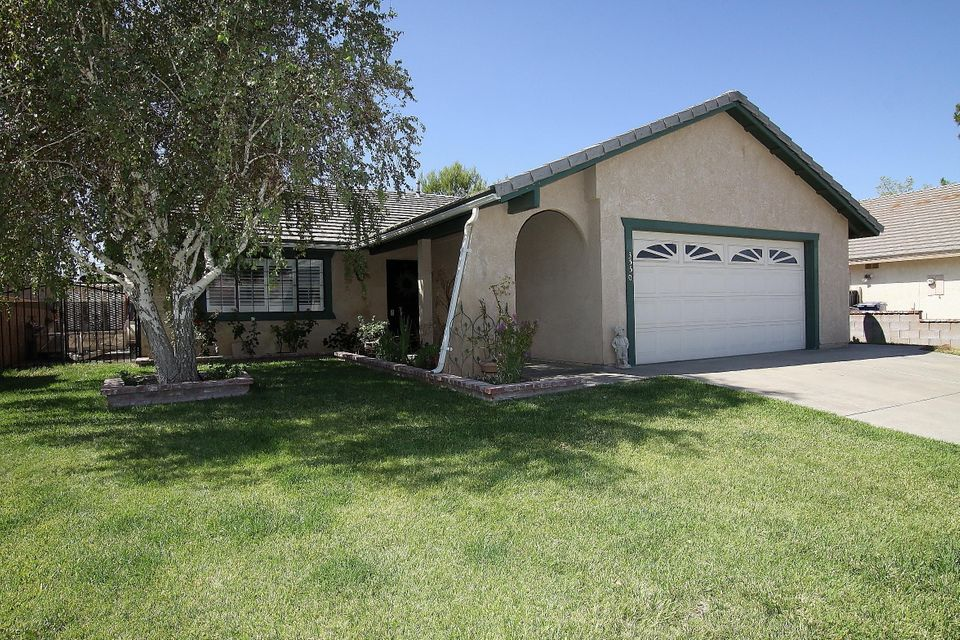 3550 W Avenue J14, Lancaster in Los Angeles County, CA 93536 Home for Sale